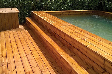 pose couloir de nage piscine en bois design