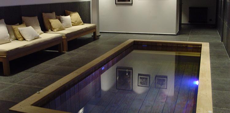 Installateur de piscine int rieure sur mesure for Installateur de piscine en bois